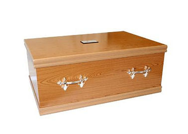 China Natural Wood Casket for Pet , Custom Made Pet Cremation Caskets With Pet Name Tab supplier