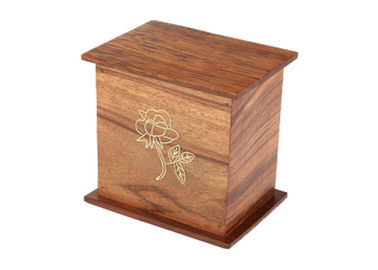 China Hardwood Made Pine Box Coffin , Funeral Cinerary Simple Pine Casket distributor